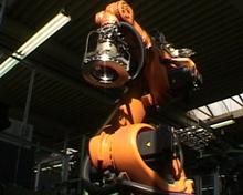 Robotereinsatz (hier für gelochte Sport-Scheiben)